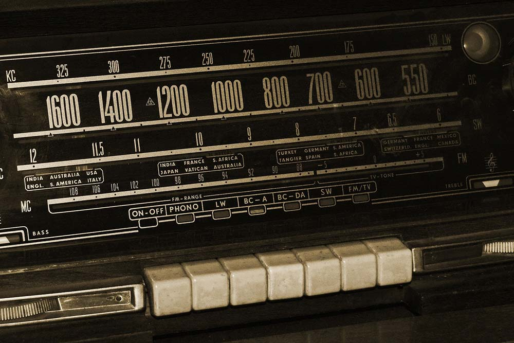 annca de Pixabay_radio-1594819_1920